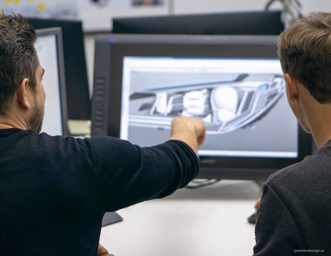 Designer bei der CAD-Konstruktion.